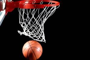 Брянские баскетболисты разгромили соперников из Курска