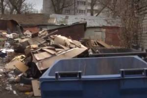 Огромная свалка в центре Фокинского района Брянска выросла после пожара