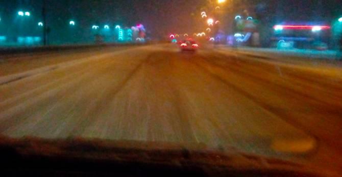 В Брянске коммунальщики проспали ночной снегопад