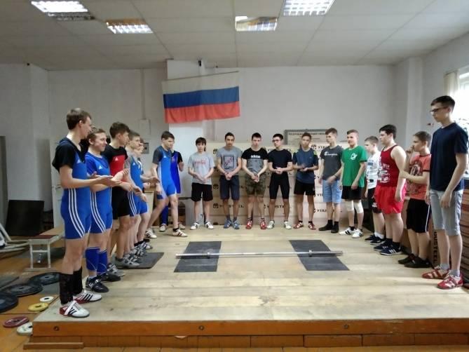 В Брянске назвали победителей первенства города по тяжелой атлетике