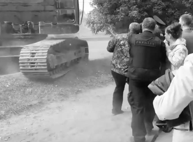 Появилось видео стрельбы на проспекте Московском в Брянске