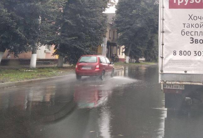 В Брянске новая дорога по улице Фокина покрылась волнами