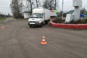 В Клетне водитель фургона покалечил пешехода