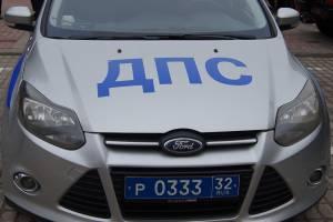 В Брянске пьяный водитель устроил гонки с ДПС и врезался в электроопору