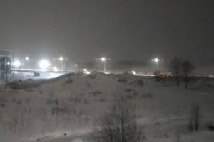 В Брянске дорожники вышли на борьбу со снегопадом