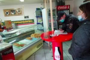 В брянских магазинах и кафе поймали 19 безмасочников