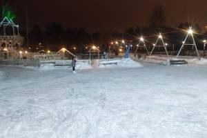 Брянцы разбили ноги на льду большого катка в «Лапландии»