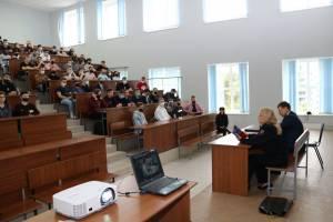В Брянске студентам БГТУ рассказали о службе в полиции