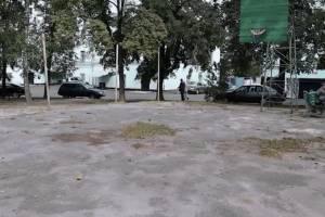В Новозыбкове чиновники тайно провели позорный ремонт двора