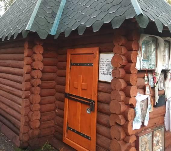 Под Новозыбковом из-за вандалов криницу закрыли на амбарный замок