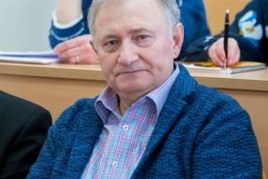В Брянске из-за коронавируса умер известный адвокат Виктор Панкратов