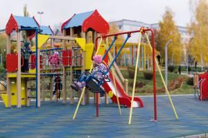 В Стародубе появилась детская площадка за 2 миллиона рублей