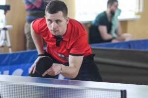 Брянец Артем Кривоноженков выиграл турнир по настольном теннису в Смоленске