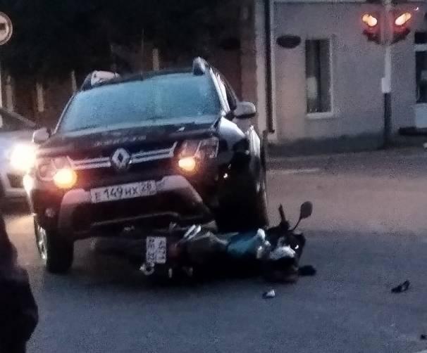 В Новозыбкове внедорожник раздавил мотоцикл