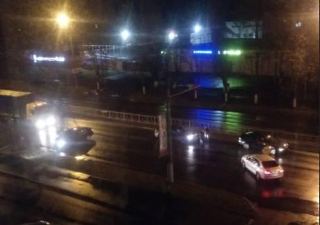 В Брянске 4 автомобиля попали в массовое ДТП