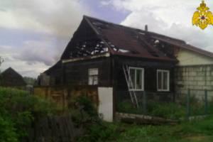 В Севске на улице Герцена сгорел жилой дом