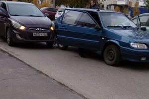 ДТП с 2 легковушками произошло в Фокинском районе Брянска