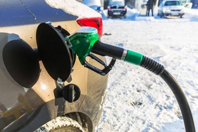 Брянский автомобилист рассказал о проблемах из-за плохого бензина