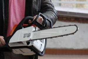 В Почепе мужчина украл две бензопилы у собутыльника