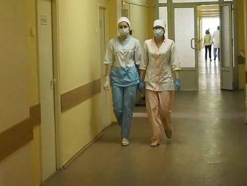 В Брянске обсудили зарплаты борющихся с коронавирусом врачей