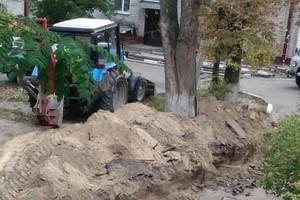 Брянцев взбесил перекопанный двор на улице 22-го съезда КПСС