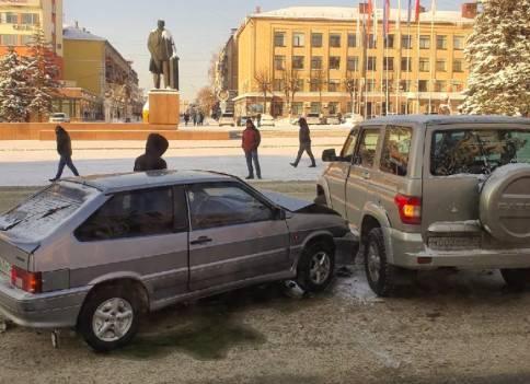 В Брянске ищут очевидцев ДТП возле площади Ленина