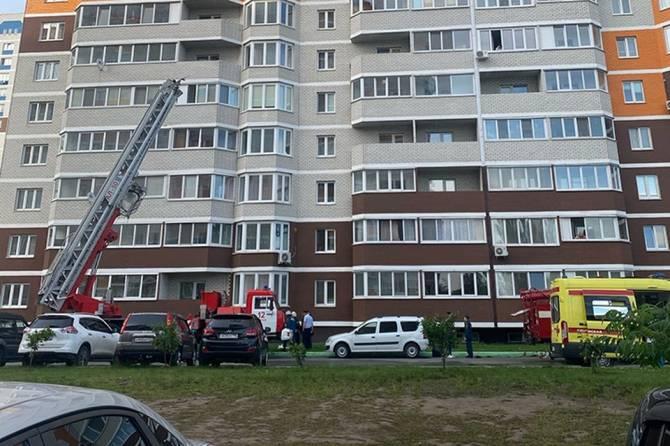 В Брянском микрорайоне «Речной» с 15 этажа выпал горящий мужчина