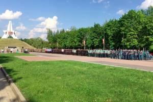 В Брянске на Кургане Бессмертия прошла репетиция Парада Победы