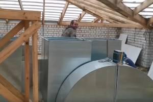 В Стародубе строитель без маски спрятался от видеокамеры