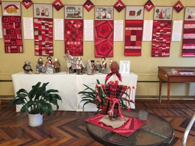 В брянском музее «Овстуг» открылась выставка кукол