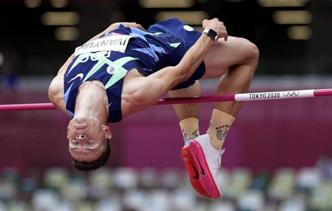 Брянский прыгун Иванюк провалил финал Олимпиады