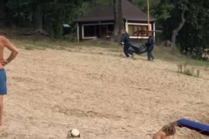 В Клинцах на озере утонул мужчина