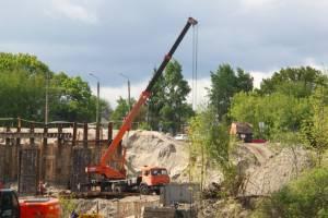В Брянске построили больше половины Литейного моста