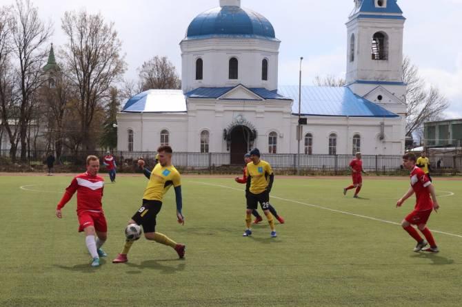 Почепский «Спартак» победил на юбилейном турнире по футболу