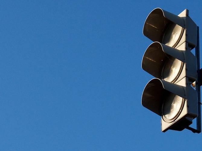 На брянской трассе в Выгоничах отключат светофор