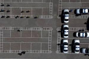 В Брянске росгвардейцы выстроили машины в огромную цифру 12