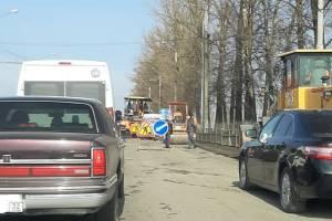 В Брянске из-за дорожников встала в пробке дорога у «Аэропарка»