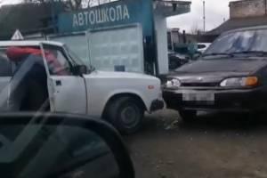 В Клинцах в ДТП попал ВАЗ местной автошколы