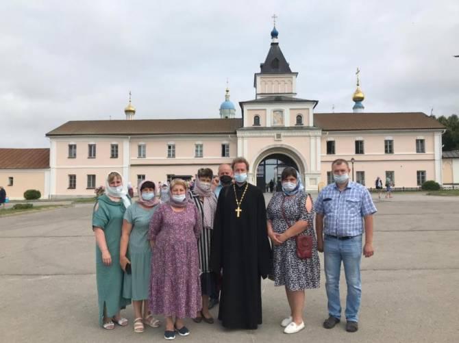 Главы сел Карачевского района побывали в паломнической поездке на Калужской земле