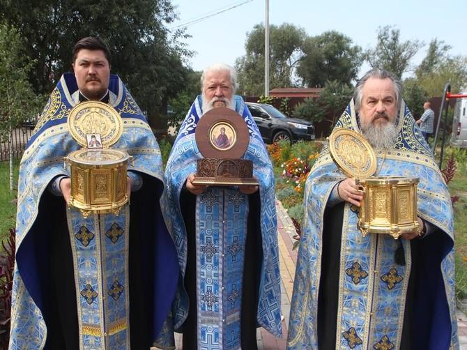 В Брянск привезли мощи Святителя Луки Крымского и блаженной Матроны