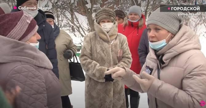 В Карачеве разругались противники собак и зоозащитники