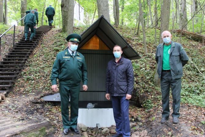 В Жуковском районе благоустроили лесной родник