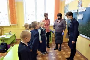 Почепские школьники провели акцию в помощь детям с онкозаболеваниями