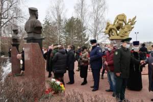 Главный брянский следователь почтил память погибших героев 6 роты