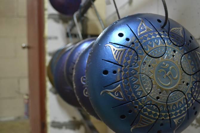 Целая вселенная глюкофонов: необычные инструменты из Брянска покоряют мир