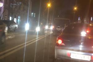 В центре Брянска у ЗАГСа произошла авария