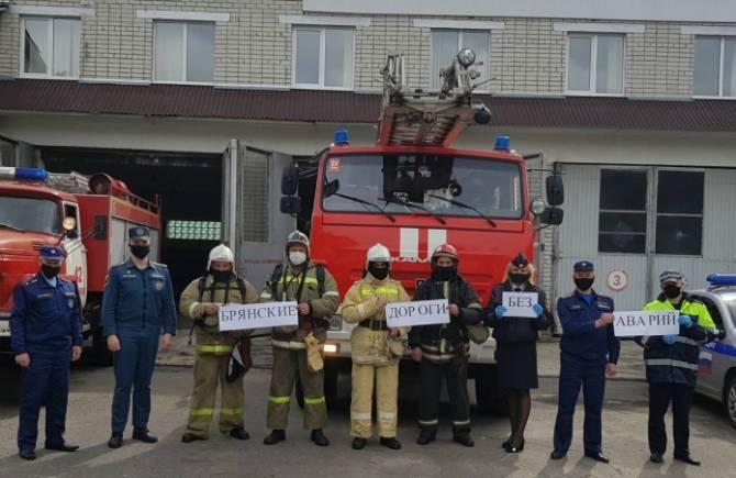 В Карачеве соблюдать ПДД призвали живой инсталляцией