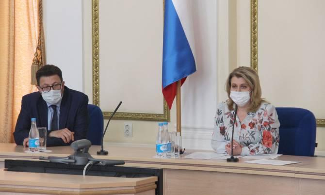 В брянских школах после трагедии в Казани проведут проверки