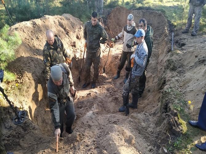 В Жуковке проходят масштабные раскопки