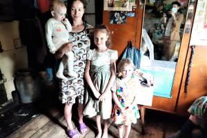 Волонтёры «Ванечки» проведали особенные семьи Жирятинского района